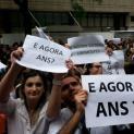 Funcionários da Unimed Paulistana protestam com medo de calote
